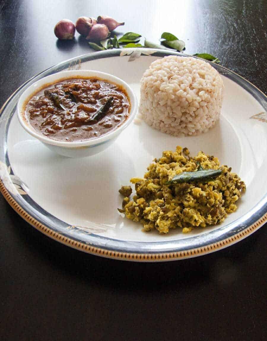 Ulli theeyal recipe shallots in tamarind and coconut sauce ulli theeyal forumfinder Image collections